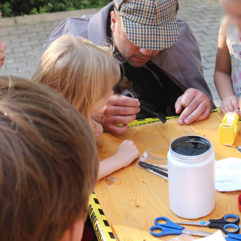 Fingerabdruck sichern - Kinder Detektive - Hobby Ermittler