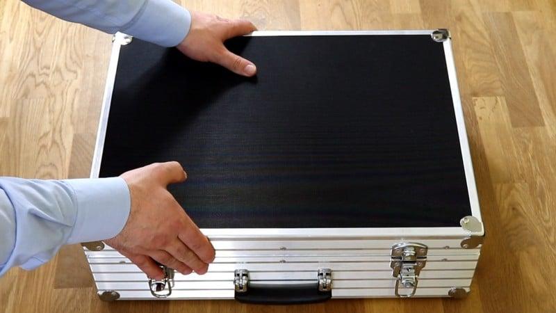 Außen Ansicht Geschirmter Koffer für Smartphones